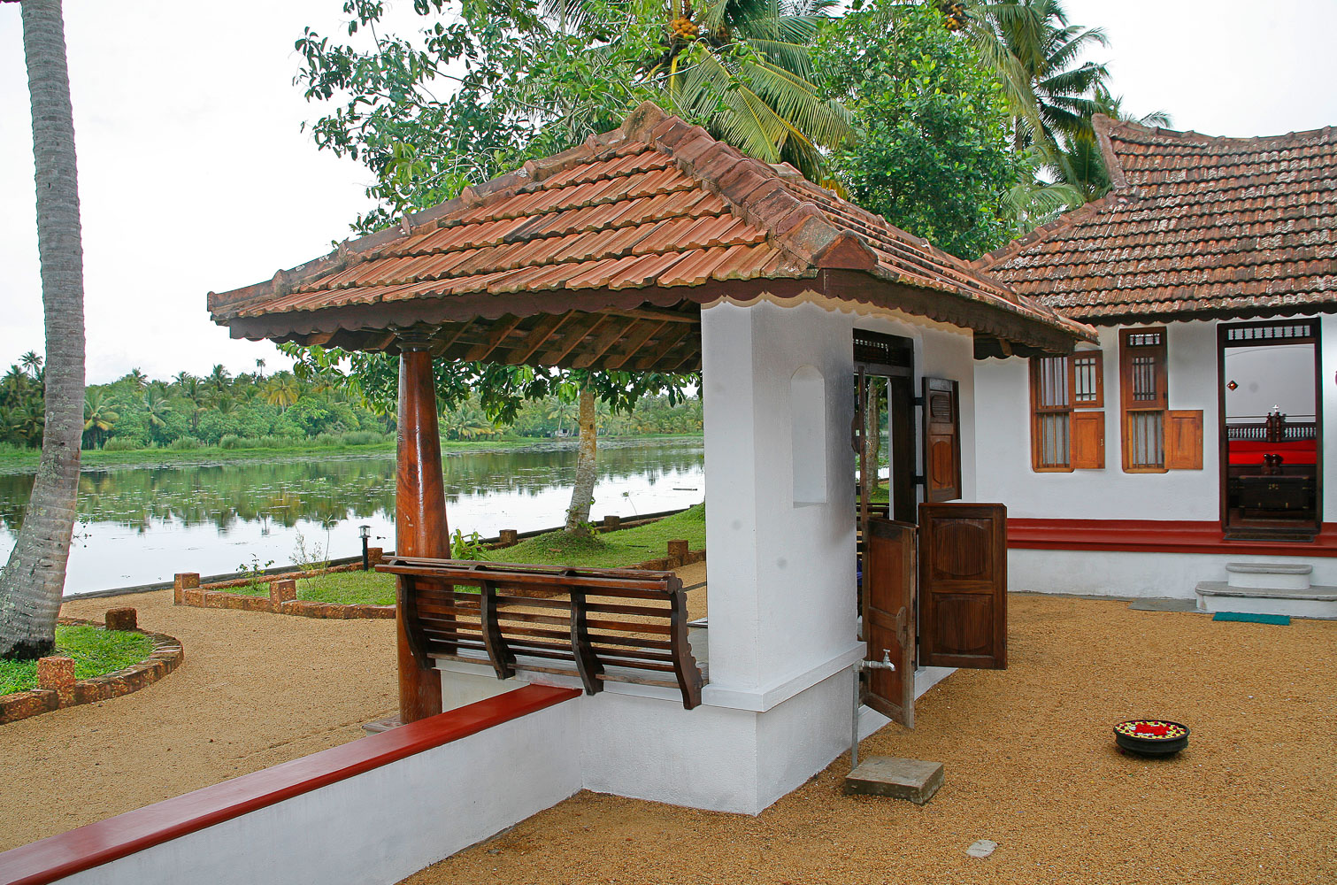 Philipkutty 39 s farm stay in independent homely for House look from outside